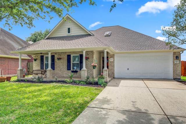 2213 Lakewind Lane, League City, TX 77573 (MLS #63154626) :: Caskey Realty