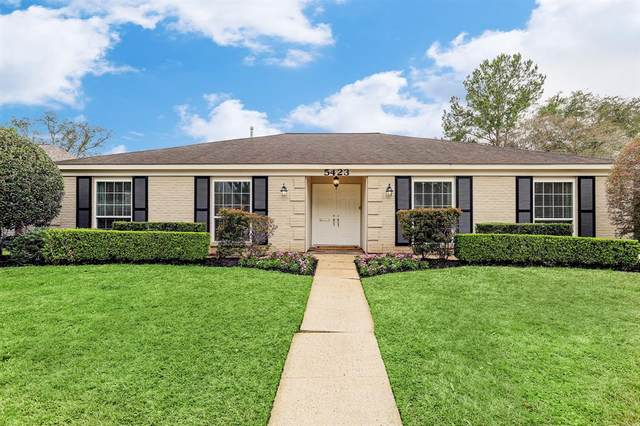 5423 Wigton Drive, Houston, TX 77096 (MLS #63207405) :: The Bly Team
