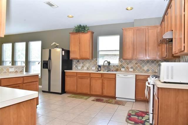 2514 Dawn River Lane, Pearland, TX 77581 (MLS #63230641) :: Homemax Properties