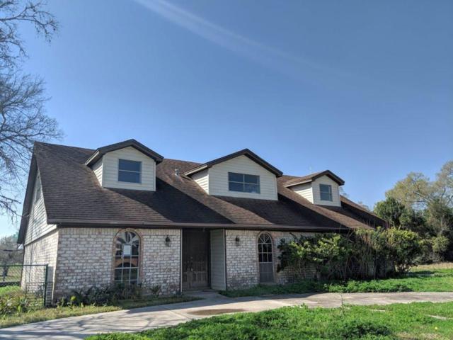 203 Old Bayou Drive, Dickinson, TX 77539 (MLS #6323486) :: Rachel Lee Realtor
