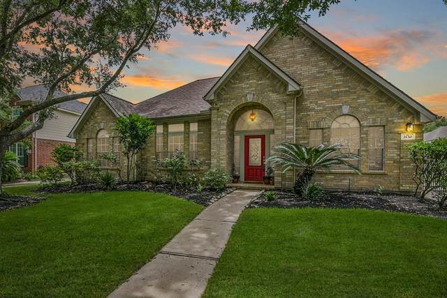 2130 Bluffton Lane, Katy, TX 77450 (MLS #63399810) :: The SOLD by George Team
