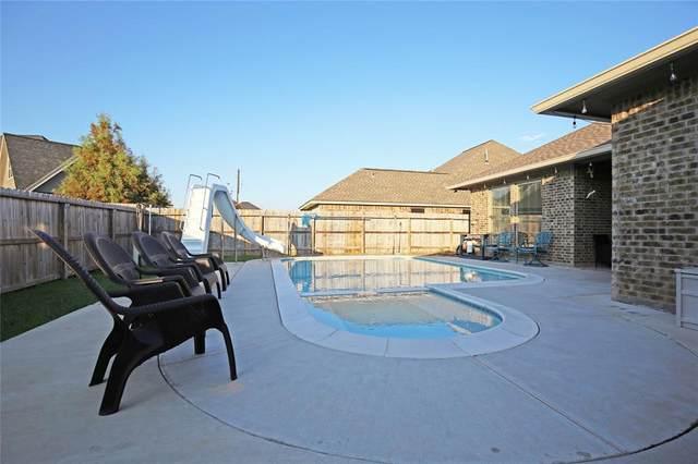 110 Cinnamon Lane, Lake Jackson, TX 77566 (MLS #63423747) :: Michele Harmon Team