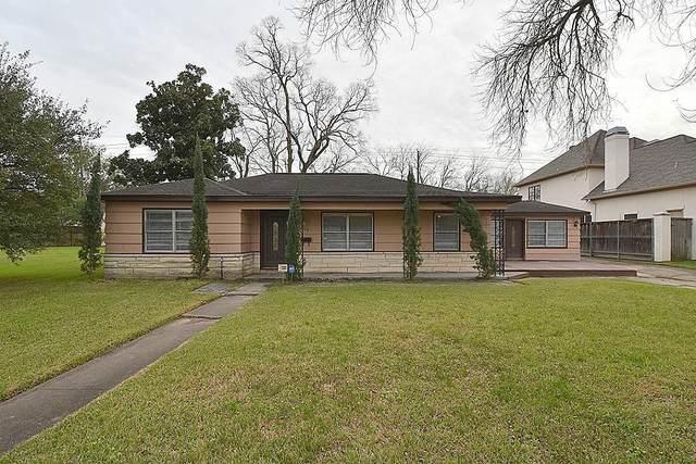 5003 Mayfair Street, Bellaire, TX 77401 (MLS #63439725) :: NewHomePrograms.com LLC