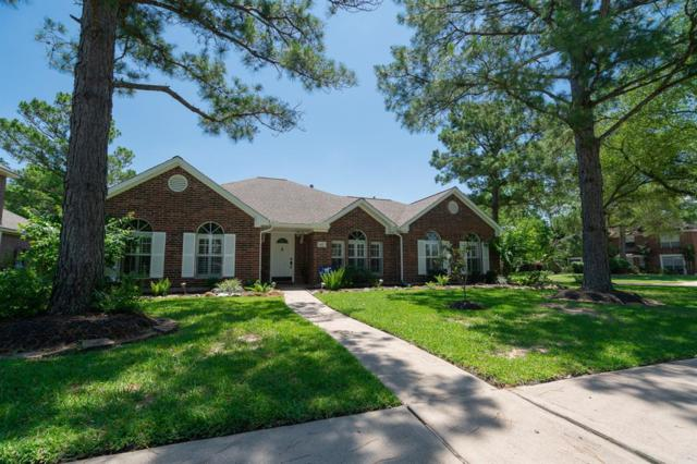 401 Golden Leaf Drive, Friendswood, TX 77546 (MLS #6346832) :: Texas Home Shop Realty