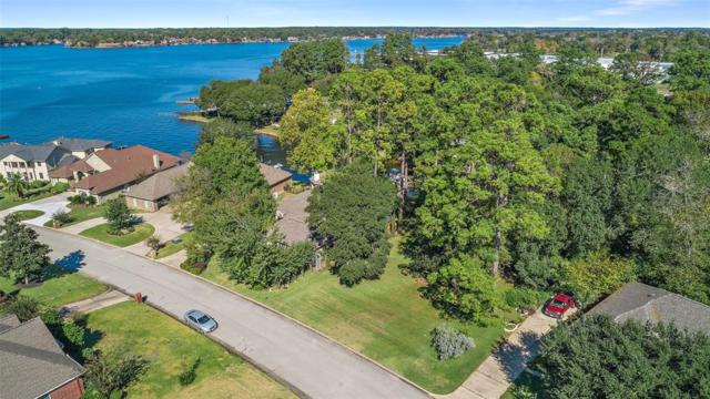 5322 Montego Cove Drive, Willis, TX 77318 (MLS #63494820) :: The SOLD by George Team