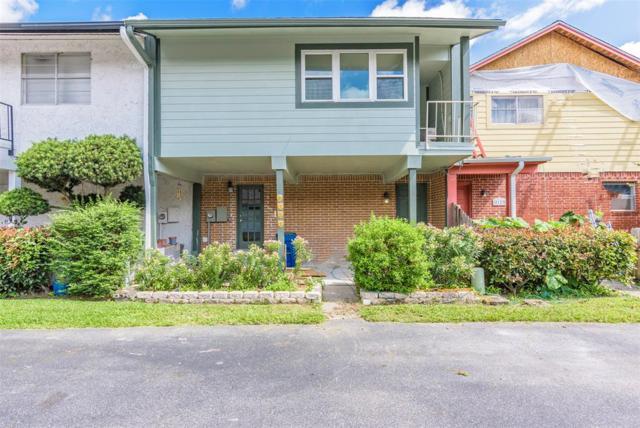 2121 Casa Rio Circle B-13, Dickinson, TX 77539 (MLS #63608961) :: Phyllis Foster Real Estate