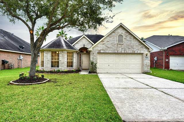 8310 Diamond Way Court, Pearland, TX 77584 (MLS #63719654) :: Homemax Properties