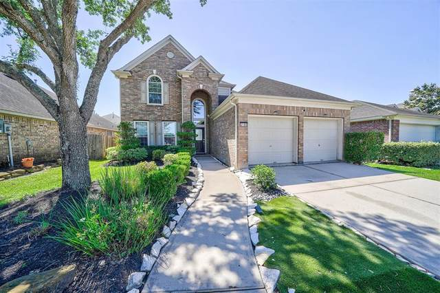 2106 Breezeway Lane, Pearland, TX 77584 (MLS #63732566) :: The Bly Team