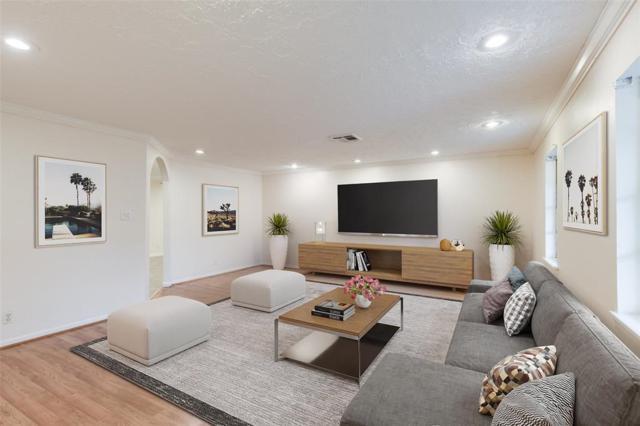1811 Shadowdale Drive, Houston, TX 77043 (MLS #63829674) :: Texas Home Shop Realty
