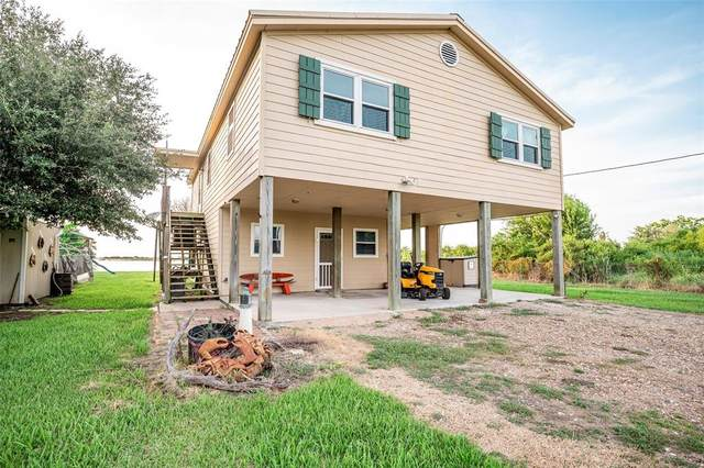 108 Speckled Trout Loop, Palacios, TX 77465 (MLS #64066870) :: Michele Harmon Team