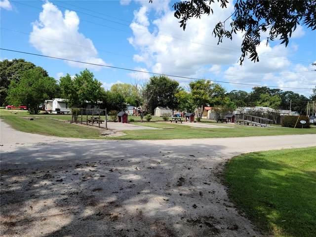 160 Avenue H, Markham, TX 77456 (MLS #64150948) :: Texas Home Shop Realty