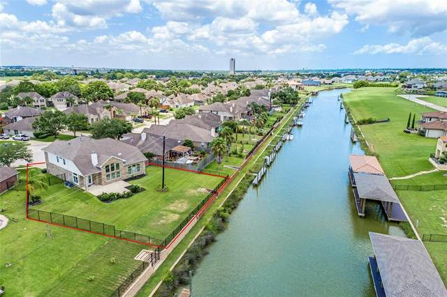434 Twin Timbers Lane, Kemah, TX 77565 (MLS #64153111) :: The SOLD by George Team