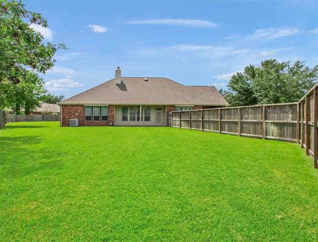1446 N Riviera Circle, Pearland, TX 77581 (MLS #64239988) :: CORE Realty
