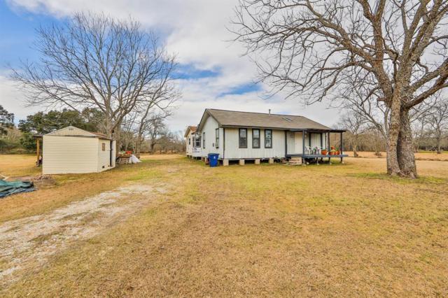 180 Halls Road, Angleton, TX 77515 (MLS #64318810) :: Giorgi Real Estate Group
