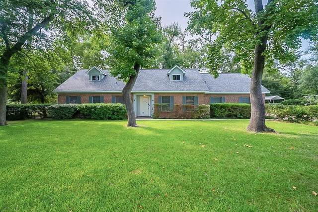 430 Rolling Wood Road, Baytown, TX 77520 (MLS #64325172) :: The Bly Team