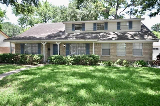 7806 Twin Hills Drive, Houston, TX 77071 (#64399832) :: ORO Realty