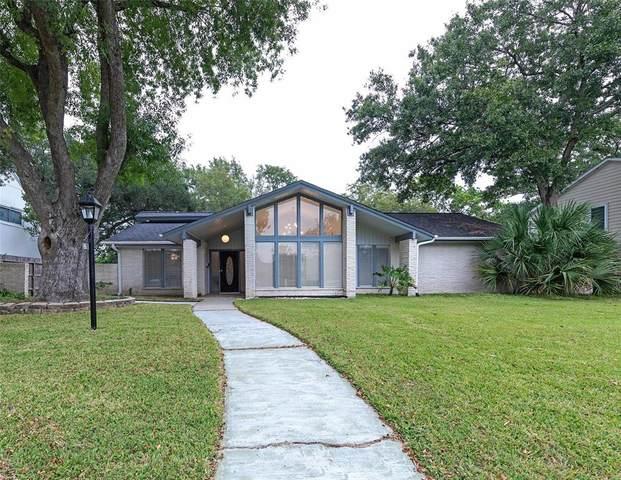 18611 Capetown Drive, Houston, TX 77058 (MLS #64672739) :: Texas Home Shop Realty