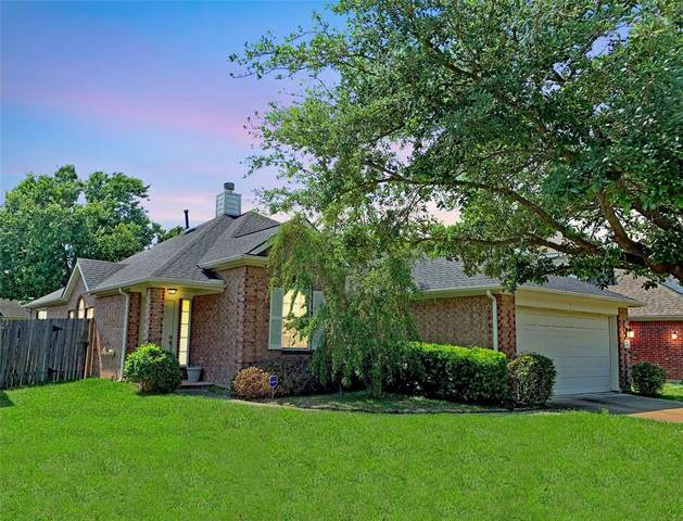 11803 Keswick Pines Lane, Houston, TX 77066 (MLS #6475467) :: Lerner Realty Solutions