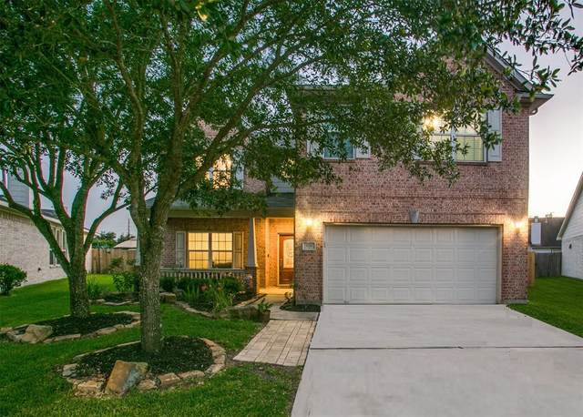2724 Mystic Cove Lane, Pearland, TX 77584 (MLS #64847130) :: Caskey Realty