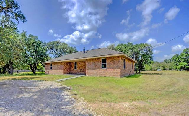 1102 Annette Drive, Columbus, TX 78934 (MLS #64868732) :: Connect Realty