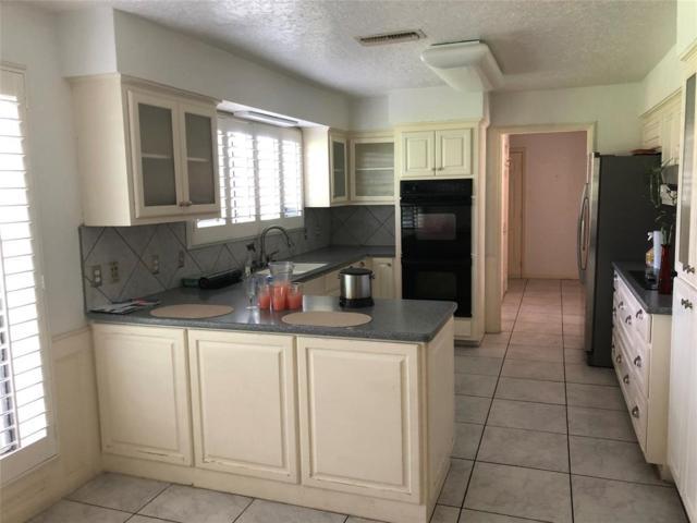 2110 Riverside Drive, West Columbia, TX 77486 (MLS #65157294) :: Magnolia Realty