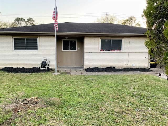 17010 David Glen Drive, Friendswood, TX 77546 (MLS #65210320) :: Ellison Real Estate Team