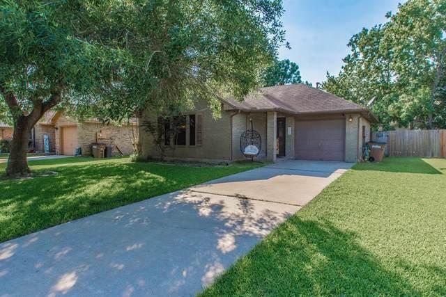 5609 Chisholm Trail, Dickinson, TX 77539 (MLS #65280090) :: The Freund Group