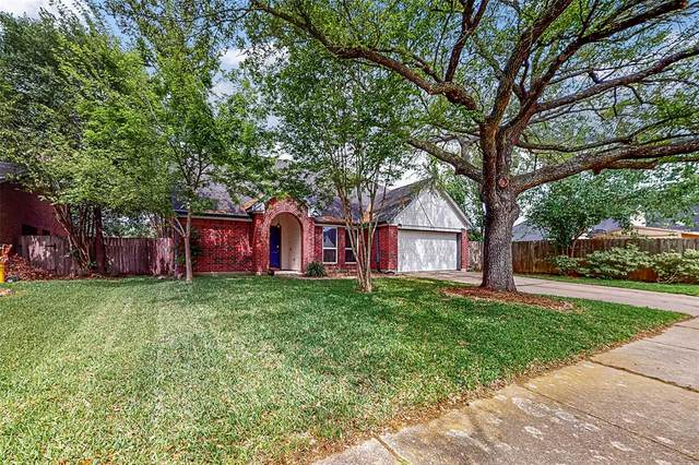 4823 Cloverfield Drive, Pearland, TX 77584 (MLS #65282178) :: Lisa Marie Group | RE/MAX Grand