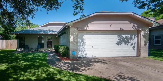 515 W Nottingham Drive, League City, TX 77573 (MLS #65418672) :: The SOLD by George Team