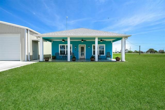 833 W Bayshore Drive, Palacios, TX 77465 (MLS #6547686) :: Christy Buck Team