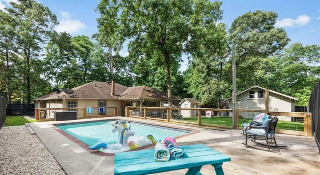 213 Tupelo Lane, Conroe, TX 77304 (MLS #65494631) :: Guevara Backman