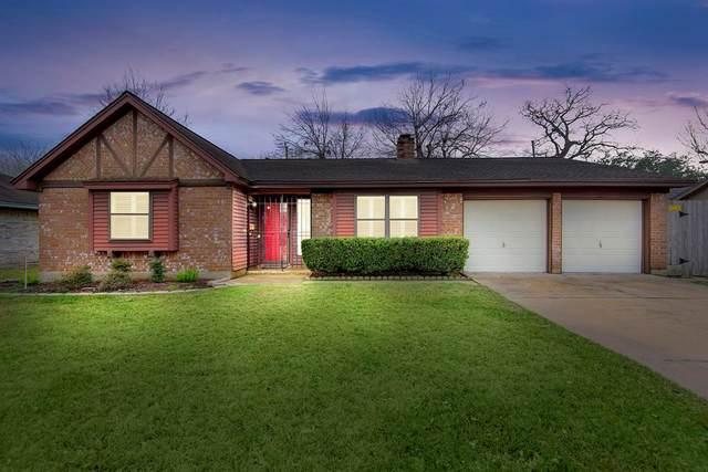 14106 Lantern Lane, Houston, TX 77015 (MLS #65520237) :: NewHomePrograms.com