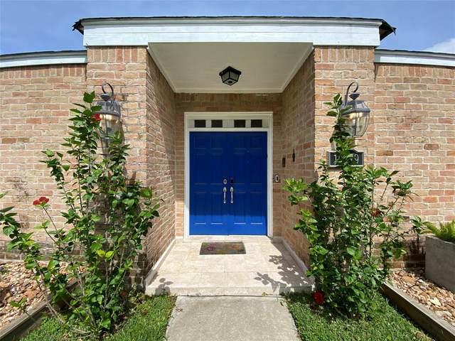 10919 Villa Lea Lane, Houston, TX 77071 (MLS #65560940) :: Caskey Realty