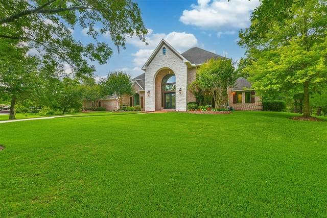 707 Oak Drive, Friendswood, TX 77546 (MLS #65583753) :: Caskey Realty