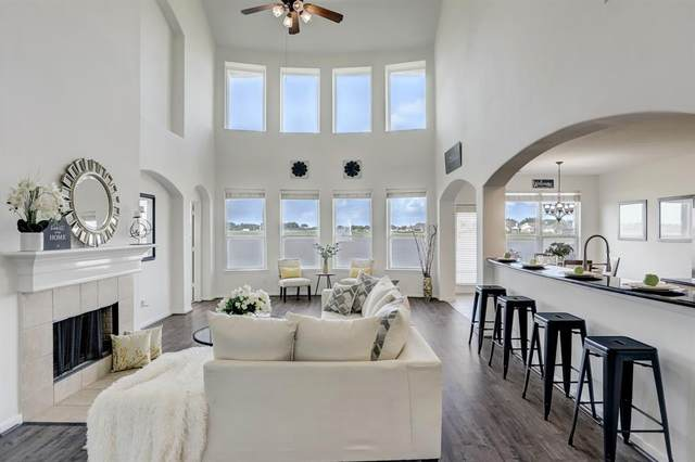 6330 Oxford Lake Drive, Rosenberg, TX 77471 (MLS #65610148) :: Lerner Realty Solutions