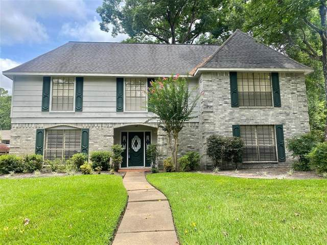 4019 Garden Lake Drive, Houston, TX 77339 (#65851683) :: ORO Realty