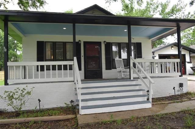 10707 Hillside Drive Drive, Montgomery, TX 77356 (MLS #66076998) :: Guevara Backman