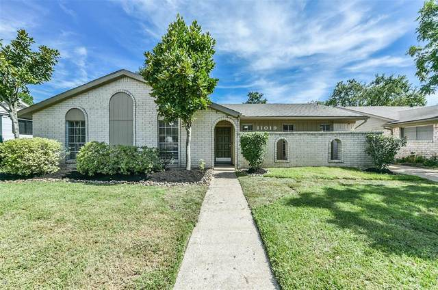 11019 Sageberry Drive, Houston, TX 77089 (MLS #66106602) :: Parodi Group Real Estate