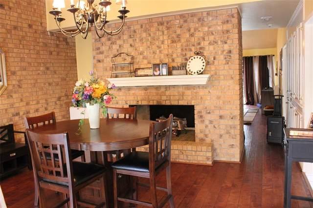 66 Chervil Common, Lake Jackson, TX 77566 (MLS #66144759) :: The Home Branch