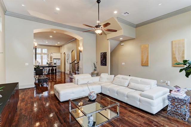 911 Queen Annes Road, Houston, TX 77024 (MLS #66168009) :: Giorgi Real Estate Group