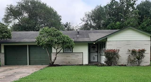 5747 Overdale Street, Houston, TX 77033 (MLS #66179237) :: Michele Harmon Team