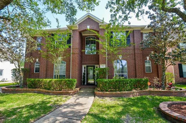 2806 Capecrest Drive, Pearland, TX 77584 (MLS #66185157) :: Caskey Realty