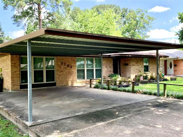 2102 Wakefield Drive, Houston, TX 77018 (MLS #66196051) :: The Bly Team