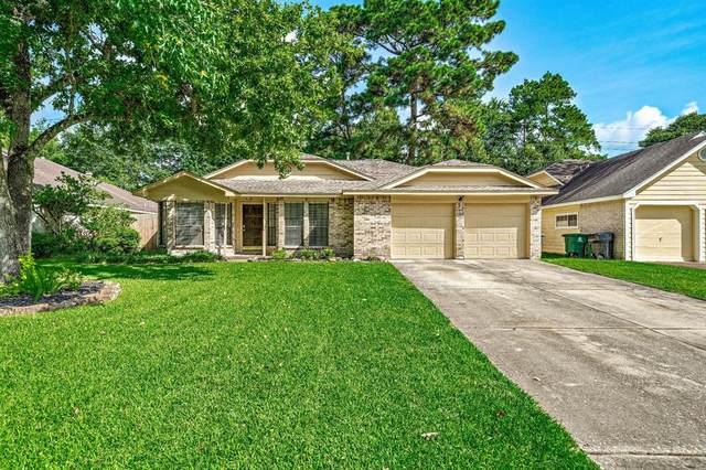 2919 Creek Manor Drive, Houston, TX 77339 (MLS #66224681) :: Michele Harmon Team