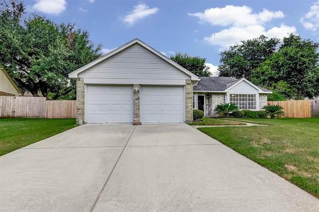 16706 Barkentine Lane, Friendswood, TX 77546 (MLS #66279595) :: The SOLD by George Team