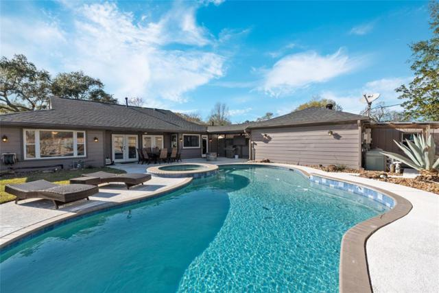 1510 Lake Bank Court, Seabrook, TX 77586 (MLS #66355522) :: The Sold By Valdez Team