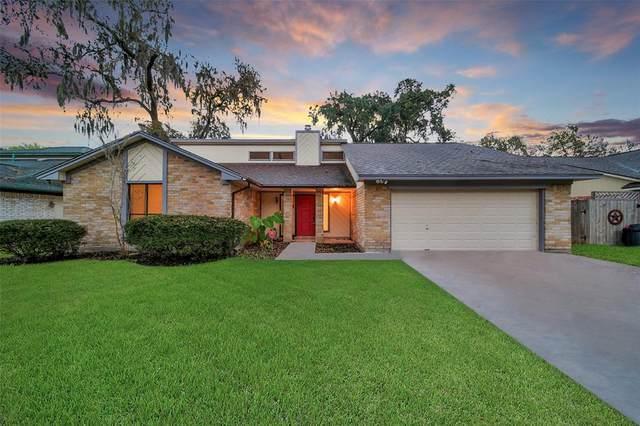308 Banyan Street, Lake Jackson, TX 77566 (MLS #66418296) :: Area Pro Group Real Estate, LLC
