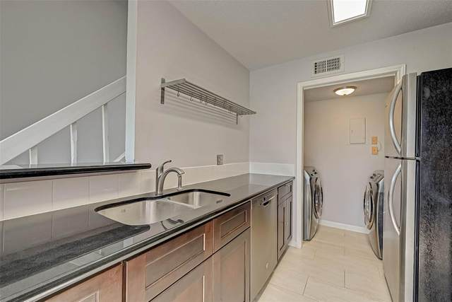 8323 Sands Point Drive Drive #200, Houston, TX 77036 (MLS #66483199) :: The SOLD by George Team