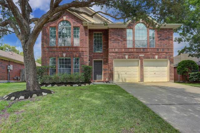 17123 Grey Mist Drive, Friendswood, TX 77546 (MLS #66699446) :: The Bly Team