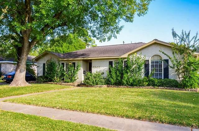 9302 Sharpcrest Street, Houston, TX 77036 (MLS #66760029) :: The Freund Group